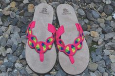 "Typical Wayuu Indian footwear called ""Wayrenas."" Handmade by a member of this tribe with a design called ""Disk"". www.colombiart.co Buy Shoes, Women's Shoes Sandals, Footwear, Indian, Handmade, Stuff To Buy, Design, Hand Made, Shoe"