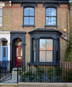 Victorian Edwardian restoration mosaic rail Yorkstone storage front garden Balham Clapham - London G Victorian House London, Victorian Front Garden, Victorian Windows, Victorian Front Doors, Victorian Porch, Victorian Terrace House, Victorian Gardens, London House, Terrace House Exterior