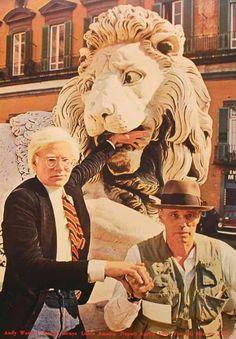 Andy Warhol e Joseph Beuys a Napoli in piazza dei Martiri , 1980 , foto di Mimmo Jodice