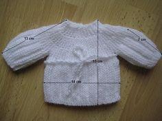 Modèle brassière en rangs raccourcis pour les bébés prématurés   Je donne par ici une indication des mesures en cm. ...