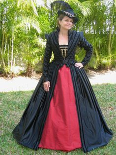 This is what I want my next dress to be!!!  Renaissance Elizabethan Doublet  Gown