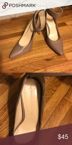 Nude heels Never been worn Banana republic heels Banana Republic Shoes Heels