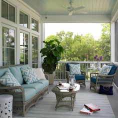 Porches - Design photos, ideas and inspiration. Amazing gallery of interior design and decorating ideas of Porches in decks/patios, porches by elite interior designers - Page 2 Blue Porch Ceiling, Blue Ceilings, Ceiling Fan, Ceiling Color, Indoor Outdoor Rugs, Outdoor Rooms, Outdoor Living, House Of Turquoise, Wicker Patio Furniture