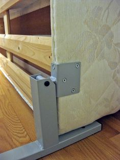 This is must see web content. Just click the link for more information murphy bed bookcase. Check the webpage to find out more. Build A Murphy Bed, Murphy Bed Desk, Murphy Bed Plans, Space Saving Furniture, Diy Furniture, Furniture Design, Wooden Valance, Diy Bett, Modern Murphy Beds