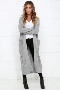 30 lovely cardigan outfit ideas this winter - ecstasycoffee Maxi Cardigan, Outfits With Grey Cardigan, Grey Sweater Outfit, Winter Cardigan Outfit, Long Grey Cardigan, Winter Outfits, Long Black Sweater, Sweater Vests, Spring Outfits