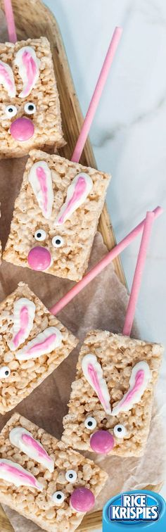 These cute Easter Bunny Pops made with Rice Krispies® cereal are great to make with kids. Watch them hop off the plate!