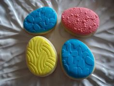 Embossed Fondant Sugar Cookies for Easter Fondant Cookies, Sugar Cookies, Cupcake Creative, Creative Labs, Fondant Decorations, Valentines Day, Bakery, Easter, Spring
