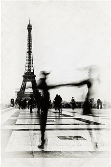 La vie n'est pas d'attendre que l'orage passe, mais d'apprendre à danser sous la pluie...