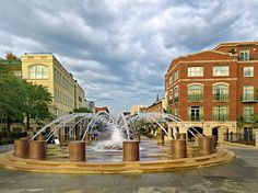 Charleston, SC fountain near the cruise ship harbor and the Market. Picture by Mike Covington