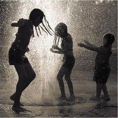 Jouons sous la pluie