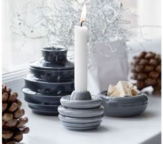 Let the acorn-shaped storage jar from Kähler's enlarged popular Cono series spread life by bringing nature's easily recognisable shapes into the home. Nordic Christmas, Christmas Past, All Things Christmas, Design Shop, Ceramic Candle Holders, Candels, Ceramic Design, Jar Storage, Christmas Inspiration
