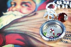 Create a Christmas Origami Owl locket to get into the spirit of the holidays.  Order at www.silviahernandez.origamiowl.com