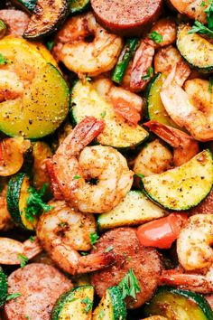 Cajun Shrimp and Sausage Vegetable Skillet Cajun Shrimp and Sausage Vegetable Skillet is the BEST 20 minute meal packed with awesome cajun flavor with shrimp, sausage, and summer veggies. This makes a great low carb meal and is also great for meal prep! Cajun Shrimp Recipes, Seafood Recipes, Dinner Recipes, Shrimp Meals, Sausage And Shrimp Recipes, Polish Sausage Recipes, Andouille Sausage Recipes, Cajun Sausage, Gastronomia