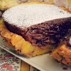 Prajitura cu banane si ciocolata in ananas