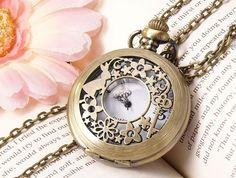 collier montre à gousset lapin Alice au pays des merveilles