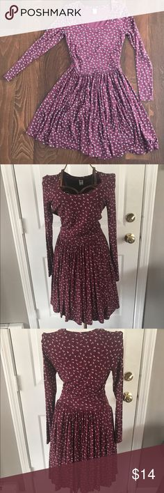 Old Navy long sleeve drop waist dress size XS Maroon dress with small floral design. Scoop neck, drop waist, very stretchy Old Navy Dresses Long Sleeve