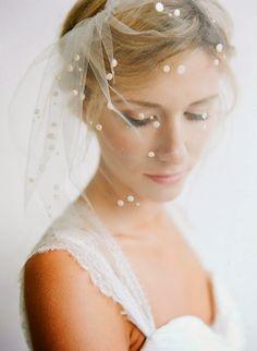 10 Pretty Perfect Polka Dot Veils
