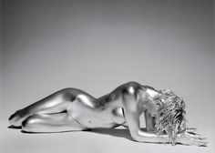 Un artiste dévoile la nudité féminine dans une série de photographies époustouflantes !