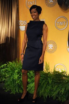 Regina King Day Dress - Regina King wore a crisp charcoal sheath dress with a boatneck and asymmetrical peplum for the SAG Nominations. Daytime Dresses, Day Dresses, Sheath Dress, Peplum Dress, Regina King, King Of Queens, Black Actresses, Beautiful Goddess, African Beauty
