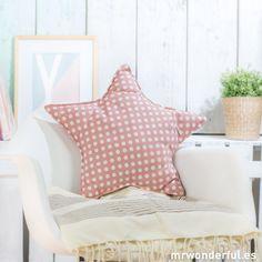 Kumaştan Dekoratif Kırlent Modelleri ,  #dekoratifyastıkyapımı #kırlentdikimi #koltukyastıkmodelleriörnekleri , Ev dekorasyonunuz için, çocuk odaları için sizlere kırlent modelleri fikirlerimiz var. Evde dikiş dikmeyi sevenler bu modellere bayılacaklar. B... https://mimuu.com/kumastan-dekoratif-kirlent-modelleri/