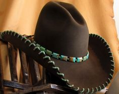 Love the buck stitching and the turquoise hat band