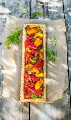 Tartes aux légumes en longueur Hot Dog Buns, Quiche, Sandwiches, Food And Drink, Appetizers, Menu, Nutrition, Bread, Cooking