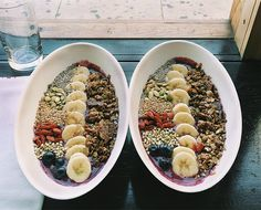Smoothie Bowls: A Healthy Breakfast Can Be This Pretty #leefromamerica #smoothiebowls #healthyliving