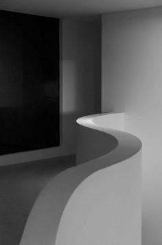 Alex Popov architects by Ximo Michavila, via Architecture Details, Interior Architecture, Building Architecture, Interior Design, Wood Stone, Small Space Living, Minimal Design, House Design, Atrium