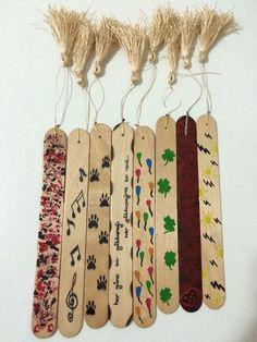 El emeği göz nuru ❣ - Diy and crafts interests Popsicle Stick Crafts, Craft Stick Crafts, Felt Crafts, Fabric Crafts, Paper Crafts, Bookmarks Kids, Bookmark Craft, Diy Arts And Crafts, Diy Craft Projects