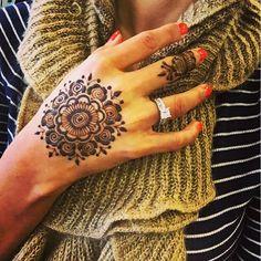 #mandala #henna #art #mehndi #design #creativesoul #artist #chicago #love #hennaart