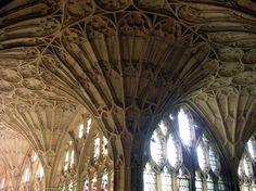 Detalle de la bóveda de abanico de la catedral de Gloucester