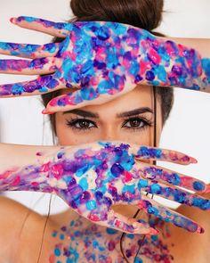 New photography artistique photoshoot eyes Ideas Paint Photography, Creative Portrait Photography, Portrait Photography Poses, Photography Poses Women, Tumblr Photography, Photo Poses, Inspiring Photography, Photo Tips, Photography Tutorials