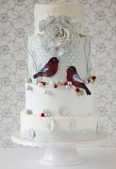 A Closer Look at Rabia Rafique's Holiday Birds Wedding Cake