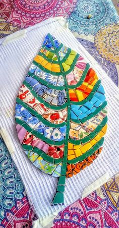 "Read message stny rr comLove this combo of pattern in the leaf area and solid for the veiningmosaic table from a doorDesigns for Mosaics Templates 1201 Best Geometric Design Round Oval Mosaics Images On""Around the Town"" - as I call it - mosaic - Mosaic Garden Art, Mosaic Tile Art, Mosaic Pots, Mosaic Artwork, Mosaic Crafts, Mosaic Projects, Mosaic Glass, Glass Art, Art Projects"