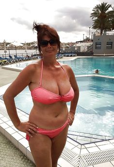 Beautiful Old Woman, Big And Beautiful, Red Bikini, Bikini Girls, Women Bikini, Real Women, Old Women, Like Fine Wine, Aged To Perfection