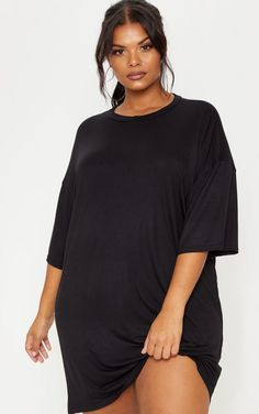 Welcome the new season with our catwalk inspired plus size clothing range. From sculpting dresses to flattering tops, shop plus size fashion at PLT USA. Black Tshirt Dress Outfit, Tee Dress, Dress Outfits, Dresses, Curvy Fashion, Plus Size Fashion, Fat Fashion, Womens Fashion, T Shirt Noir