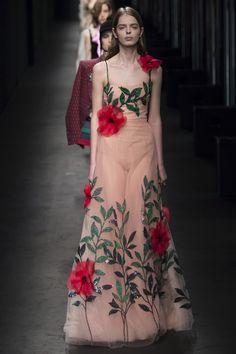 Gucci Fall Winter 2016-2017, Ready-to-Wear :: The Wonderful World of Fashion