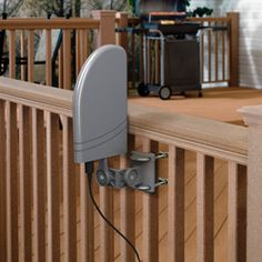 ANT700R - Get superior reception of digital TV without the whole neighborhood noticing. This digital antenna from RCA integrates seamlessly and easily into any home environment, indoors or out. It mounts virtually anywhere: to a mast, to a wall, even to your deck railings. Everything you need is in this package (except the mast).