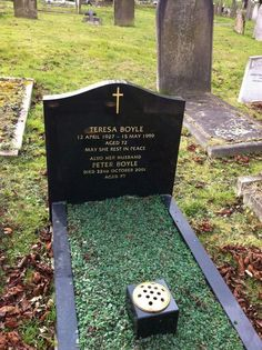 """Celebrity Headstones >Peter Boyle-Actor, best known for role on TV series """"Everybody Loves Raymond"""", & the monster in 'Mel Brooks' film """"Young Frankenstein""""."""