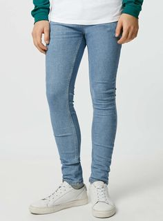 Tight Jeans Men, Bleach Wash, Mens Fashion, Fashion Outfits, Super Skinny Jeans, Sexy Men, Tights, Guys, Trending Outfits
