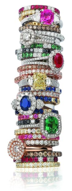 Magical Bling: Rings for days at London Jewelers! I Love Jewelry, Jewelry Rings, Jewelry Box, Jewelry Accessories, Fine Jewelry, Bijoux Art Deco, Do It Yourself Jewelry, Schmuck Design, Ring Verlobung