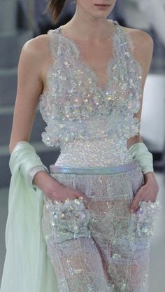 Trendy Ideas for fashion week dresses haute couture chanel spring Style Couture, Couture Fashion, Runway Fashion, Womens Fashion, Chanel Couture, Paris Fashion, Couture Details, Fashion Details, Look Fashion
