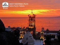 EL MEJOR HOTEL DE PUERTO VALLARTA. Disfrute de los atardeceres más bellos de la costa del Pacífico mexicano, en su próxima estancia en Best Western Plus Suites Puerto Vallarta. Le recomendamos dar un paseo por los alrededores de este lugar, mientras contempla los escenarios naturales más hermosos de la región. #VisitPuertoVallarta