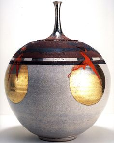 Robert Sperry, 1976, stoneware, high-fire iron wash, white crackle glaze, low-fire glaze, silver, platinum and gold lusters, 23 × 18 × 18 inches.