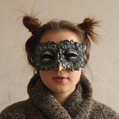 antique-owl-mask