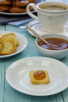 Cinco Quartos de Laranja: Doce de nêspera com Moscatel Chutney, Syrup, Yogurt, French Toast, Pudding, Breakfast, Ethnic Recipes, Desserts, Food