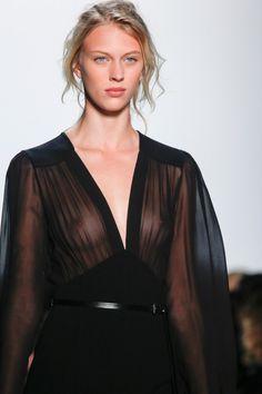 The Little Black Dress | Cinco razões para você comprar o must-have da temporada 2014