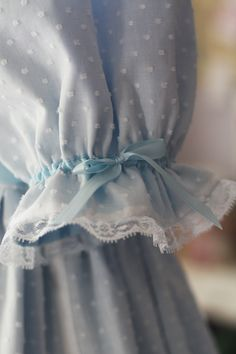 It looks just like the dress Laura Ingalls wore on Little House on the Prairie! Sleeves Designs For Dresses, Sleeve Designs, Love Blue, Blue And White, Bleu Pastel, Country Blue, Himmelblau, Blue Aesthetic, Mode Hijab