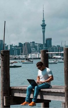 How to be a digital nomad, and the life of a digital nomad Digital Nomad, Auckland, Cn Tower, Affiliate Marketing, New Zealand, Remote, Interview, Live, World