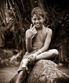 Beautiful Tahitian girl in Taha'a, French Polynesia. Photo credit: Mark Sissons.